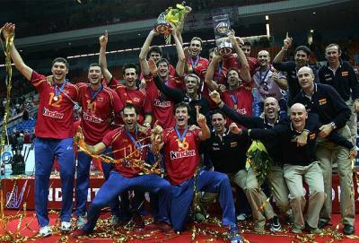 España vence a Rusia en la final... de voley